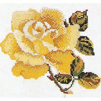 Luca-S  B2272  Guelder Rose  Kit  Broderie  Point de croix  Compté