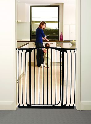 New Dreambaby Chelsea extra wide and extra tall 1 Meter High security gate BLACK