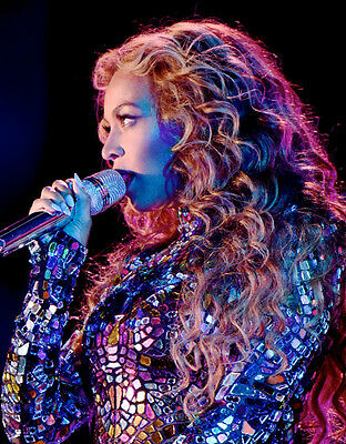 Beyonce Unsigned Photo - B787 - Gorgeous!!!!