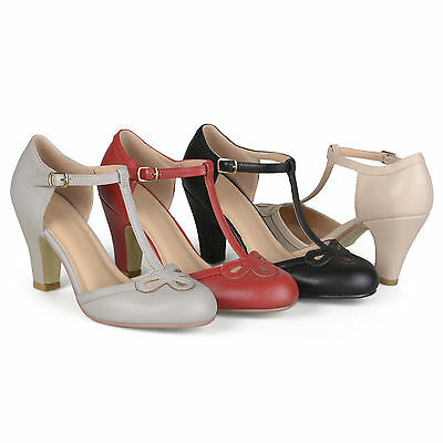 Journee Collection Womens Cut Out Round Toe T-strap Matte Mary Jane Pumps