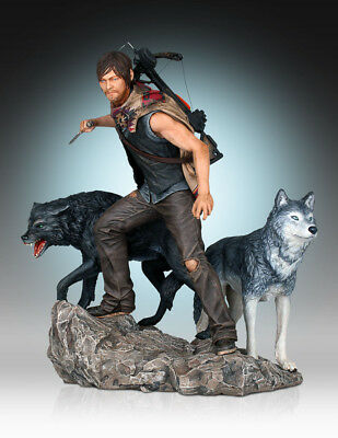 The Walking Dead Resin-Statue: Daryl Dixon and the Wolves (Mängelexemplar)