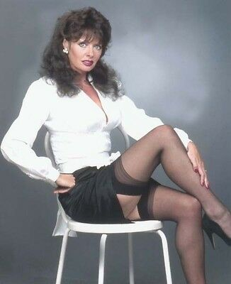 Vicki Michelle UNSIGNED photo - 1274 - 'Allo 'Allo