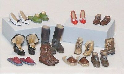 Plus Model 1:35 Shoes Resin Diorama Accessory #396