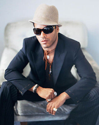 Lenny Kravitz UNSIGNED photo - 8928 - American singer, songwriter and actor