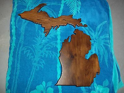 Michigan plaque lower and upper peninsula.  Solid Michigan rustic Hickory