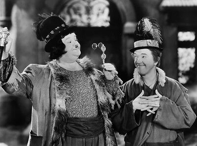 Laurel and Hardy UNSIGNED photo - B2730 - The Bohemian Girl
