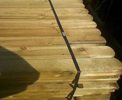 15 ROUND TOP PICKET GARDEN FENCE PALES 1200mm LINED FOR SPECIAL EFFECT