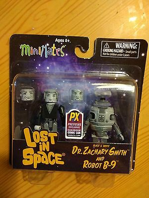 Lost in Space Minimates Dr.Smith & Robot B-9 2-Pack Black & White 2013 SDCC Excl