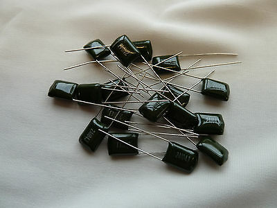 20 Polyester Film Capacitors 2.2nF 100V  (054S)