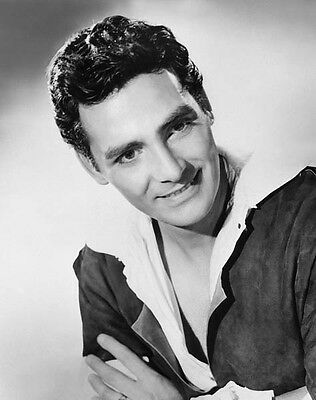 David Hedison UNSIGNED photo - 6976 - HANDSOME!!!!!