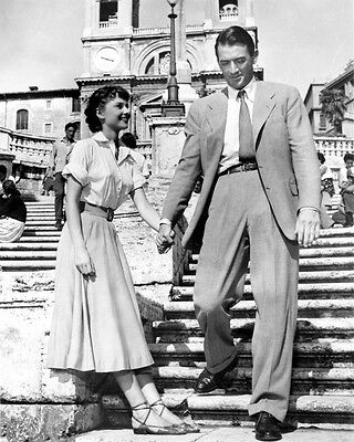 Audrey Hepburn and Gregory Peck UNSIGNED photo - B3387 - Roman Holiday