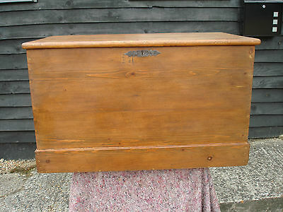 LOVELY 19th CENTURY PINE BLANKET BOX CHEST TRUNK VICTORIAN ANTIQUE