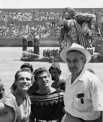 Charlton Heston, Stephen Boyd and William Wyler UNSIGNED photo - C33 - Ben-Hur