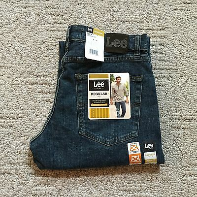 NWT LEE MEN'S REGULAR FIT Straight Leg Jeans Active Comfort Denim Sits at Waist