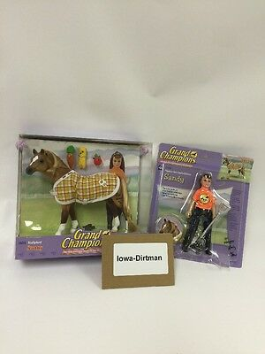 Grand Champions Sunny Horse 26211 & Sandy 26208 Production Sample Set Used