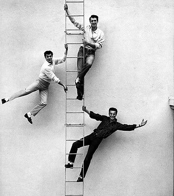 Tony Curtis, Rock Hudson and Robert Wagner UNSIGNED photo - C341