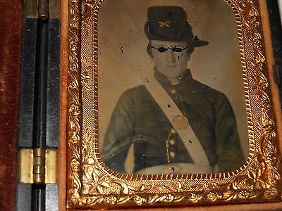 Civil War Soldier 1/9 Plate Ambrotype & Thermoplastic Case