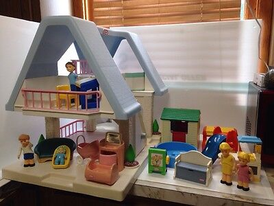 Little Tikes DollHouse Doll House Cozy Cottage Slide Turtle Pool Family 24 Pc