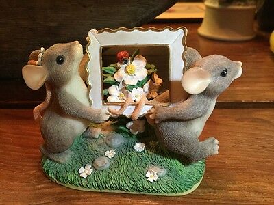 """Fitz and Floyd Charming Tails Figurine """"Picture Perfect"""""""