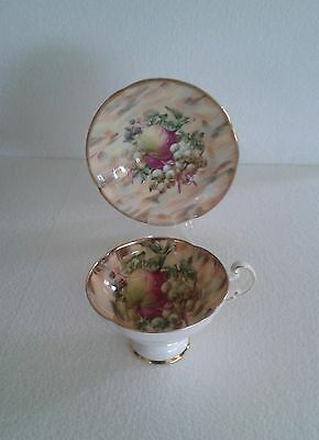 LOVELY OLD ROYAL ENG. CENTRE LRG. FRUITS HEAVY GOLD GILD Tea Cup and Saucer Set