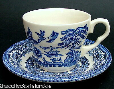 EIT English Ironstone Tableware Blue Old Willow Tea Cups & Saucers Look in VGC