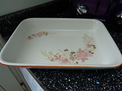Boots Hedge Rose Roasting / Lasagna  Dish