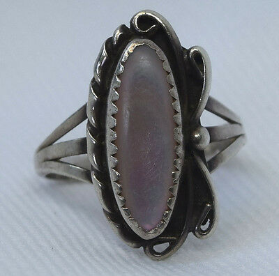 Vtg Navajo  Sterling Silver Purple Tint Mother Of Pearl Double Shank Ring Size 8