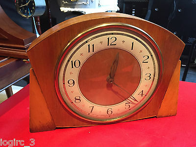 Made in Great Britain Oak mantel key wind clock