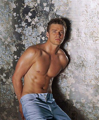 Justin Timberlake UNSIGNED photo - 7253 - TOPLESS!!!!!