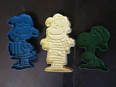 Vintage United Syndicate PEANUTS Cookie Cutters SNOOPY LUCY LINUS Stamp