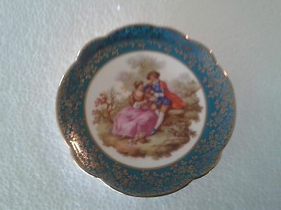 """A lovely Signed Fragonard 5"""" Miniature Limoges Collector Plate with traditional"""