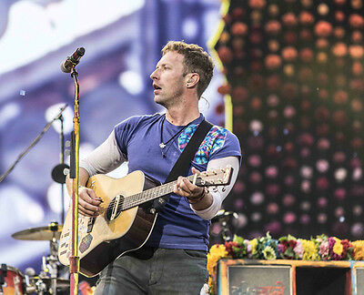 Chris Martin UNSIGNED photo - D495 - Lead vocalist and pianist with Coldplay