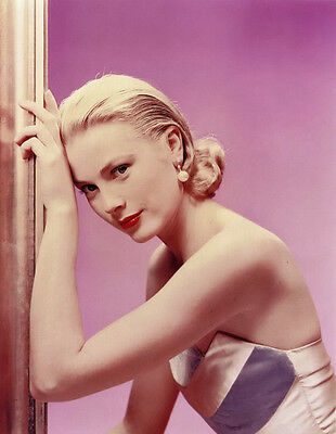 Grace Kelly UNSIGNED photo - D574 - STUNNING!!!!