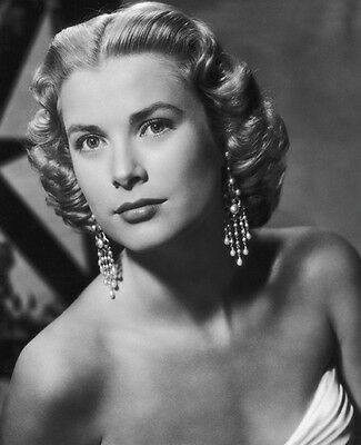 Grace Kelly UNSIGNED photo - D575 - STUNNING!!!!