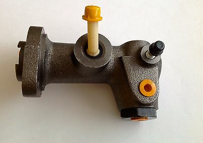 1358206 1300280 Master Cylinder Hyster H-70 Forklift Part Replacement