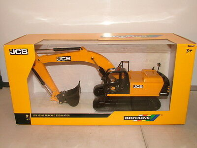 Britains No 43044 J C B JS 330 tracked excavator in 1.32 scale New