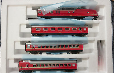 ROCO 63060 4-Car Powered Passenger Car Set DCC Equipped LN