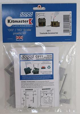 OO 1:76 Dapol Trackside Accessories Un-Assembled Plastic Kit C011 FNQHobbys