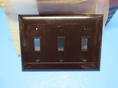 LOT 2 Vintage  Sierra art deco brown bakelite ribbed 3 SWITCH  cover D-3X
