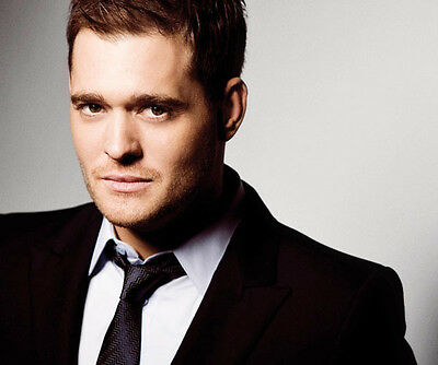 Michael Buble UNSIGNED photo - D1203 - HANDSOME!!!!