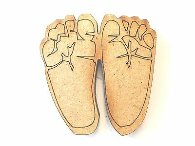 10x WOODEN NEW BABY FEET SHAPES gift tag craft card make scrapbook embellishment