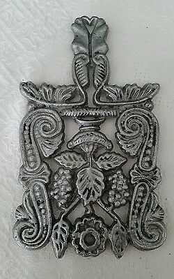 Vintage Trivet Pa Dutch Pewter Folk Primitive Rustic Home Decor Cast Metal