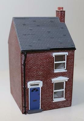 OO 1:76 scale Hornby Skaledale Left Hand Terraced House R8621 New FNQHobbys