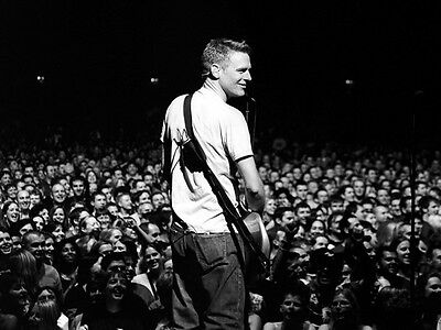 Bryan Adams UNSIGNED photo - D2125 - Canadian singer, guitarist & songwriter