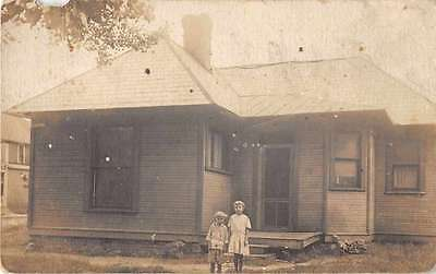 Mincie Indiana birds eye view children in front of home real photo pc Z23023