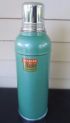 Vintage 2 Qt Stanley Super Vacuum Bottle No 945 Thermos w/ Cork & Cup & Box