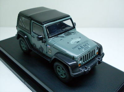 2012 Jeep Wrangler Soft Top US Army + Display cabinet, Greenlight Car Model 1:43