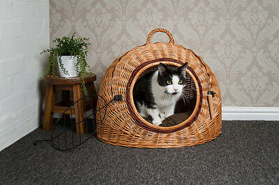 Large Wicker Igloo Pet Carrier Basket with Cushion