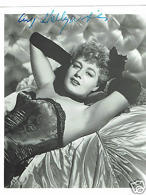 Shelley Winters Actress Hand Signed Photograph size 10 x 8  inches