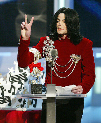 Michael Jackson UNSIGNED photo - E1016 - Singer, songwriter, dancer and actor